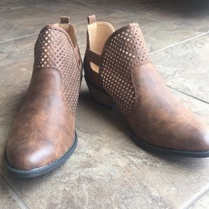 Qupid Ankle Booties - New